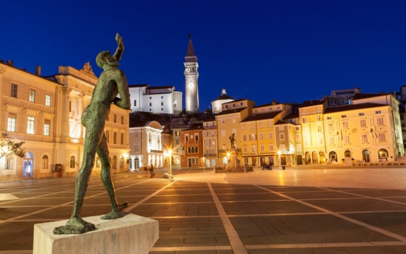 Tartini Platz in Piran - ©selitbul - stock.adobe.com - cosamia